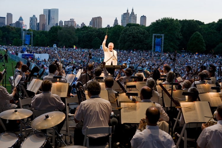 ny-philharmonic-great-lawn